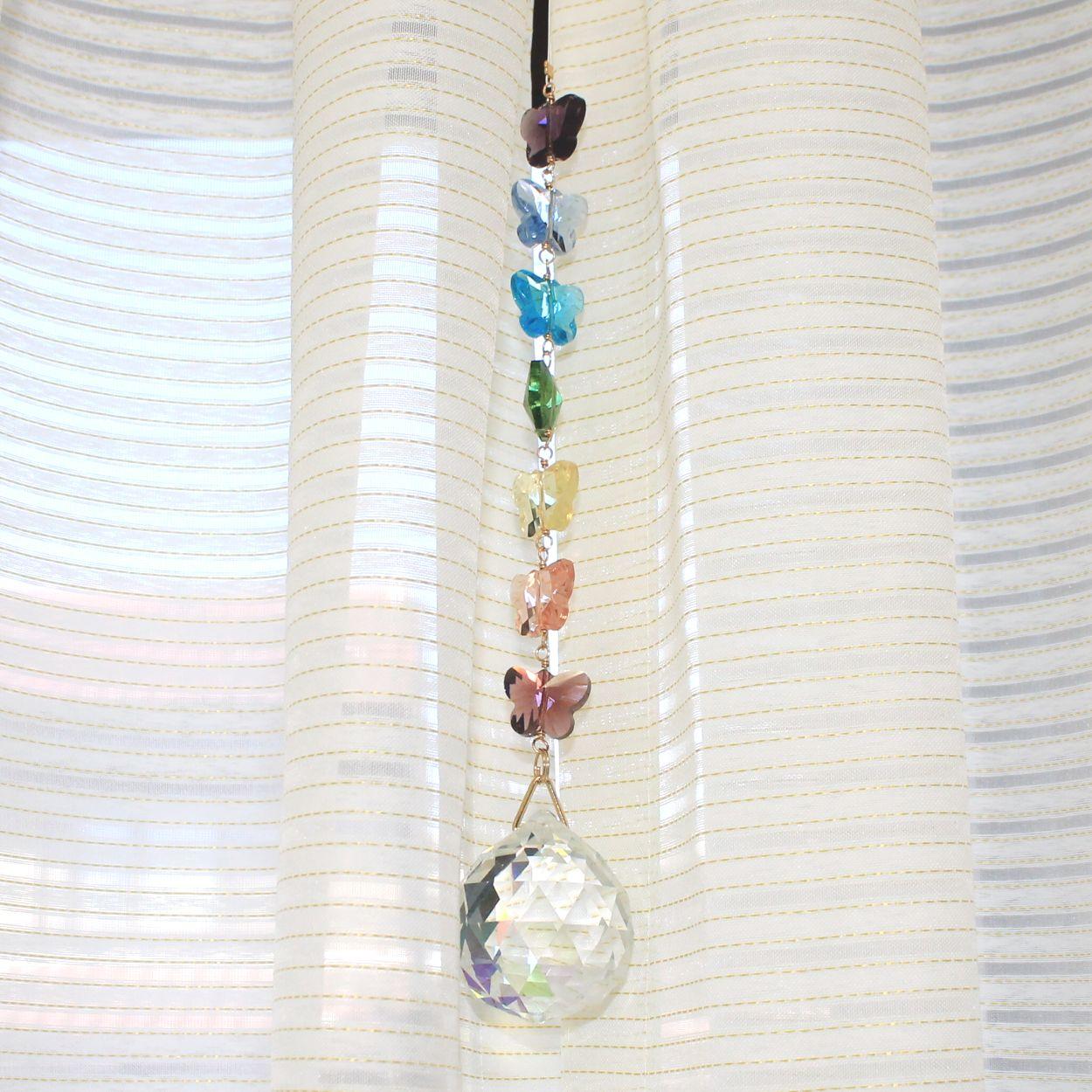 チャクラのエネルギーを整える7色のパピヨン